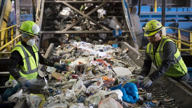 Avoid these common mistakes before hiring a recycling company